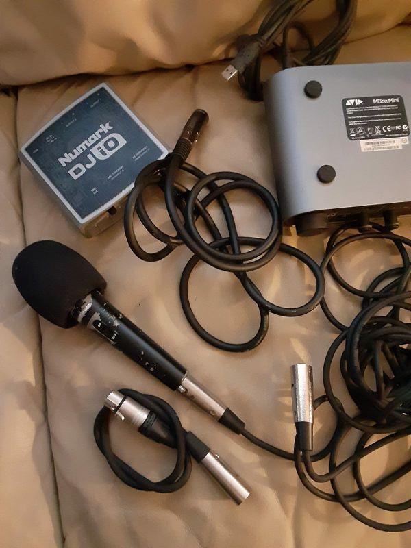 : DJ studio equipments