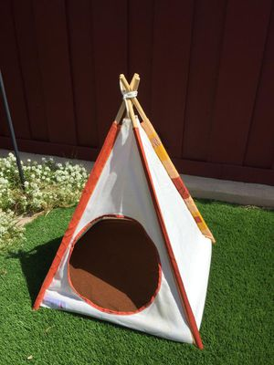 Dog House Teepee Type Small Dog Size for Sale in Lynwood, CA