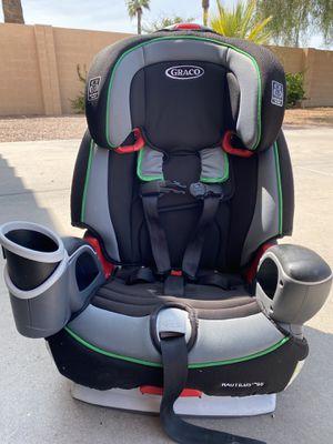 Grace Nautilus car seat💚🖤 (adjustable) for Sale in Goodyear, AZ