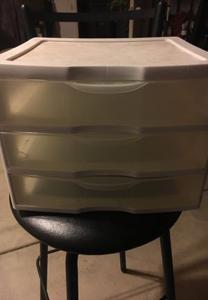 Small 3 drawer plastic container used $3 for Sale in Moreno Valley, CA