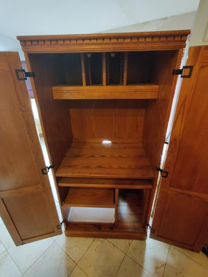 Entertainment center for Sale in Mount Pleasant, UT