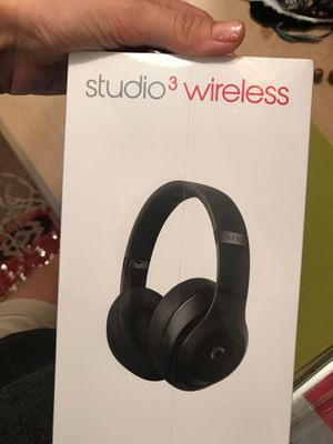 BEATS studio 3 wireless black BRAND NEW IN BOX for Sale in Boston, MA