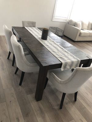6 piece dining room set for Sale in San Bernardino, CA