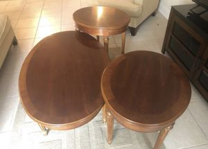 COFFEE TABLE WITH 2 SIDE TABLES for Sale in Miami, FL