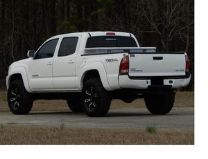 Family Owned 2005 Toyota Tacoma 4.0 V 6 Nothing.Wrong AWDWheels One Owner for Sale in San Francisco, CA