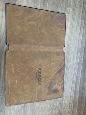 Kindle Oasis 8th Leather Charging Cover for Sale in Melbourne, FL