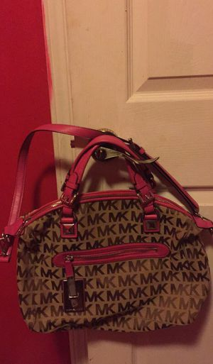 Michael kors calista in color zinia hard to find worn twice for Sale in Pittsburgh, PA