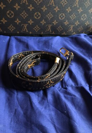 Louis Vuitton leash for Sale in Chicago, IL