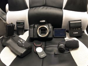 Canon EOS 60D DSLR camera - used/good condition - plus accessories for Sale in Pittsburgh, PA