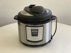 Instant Pot IP-LUX50 for Sale in Los Angeles, CA