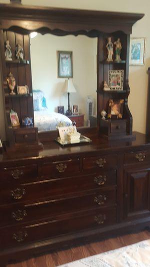 dresser antique for Sale in Pickerington, OH
