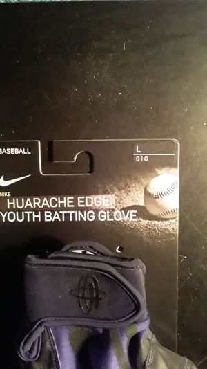 Nike Huarache Edge Youth Batting Gloves Size L for Sale in Clovis, CA