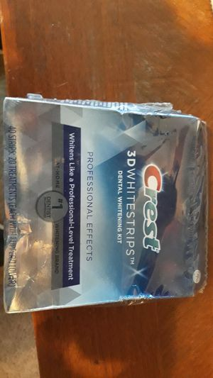 Crest 3d whitestrips 40 count for Sale in Pawtucket, RI