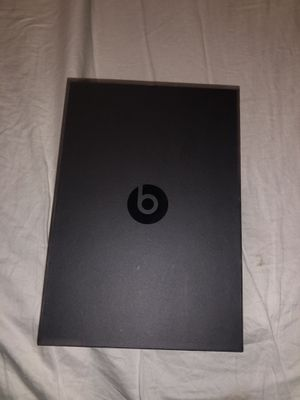 Beats solo 3 pro for Sale in Houston, TX