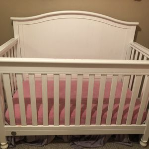 Crib, Toddler Bed, To Full Size Bed for Sale in Laveen Village, AZ