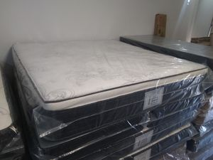 "New 12"" King pillow top mattress and box springs FREE DELIVERY for Sale in Las Vegas, NV"