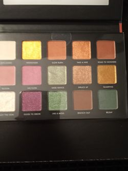 Stunning Eyeshadow for Sale in Baltimore,  MD