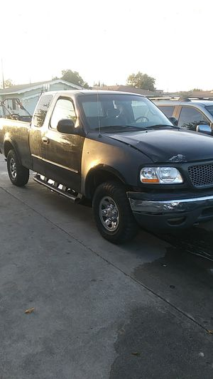 Ford f150.taitan v8 for Sale in Bell, CA