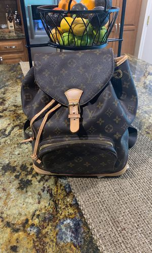 Lv backpack for Sale in Claremont, CA