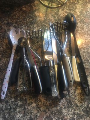 Free kitchen utensils. for Sale in Rancho Cucamonga, CA