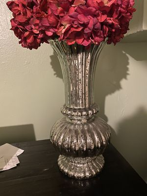 Silver mercury vase for Sale in New York, NY