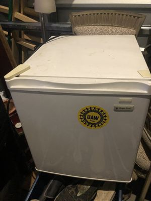 Small fridge for Sale in Tigard, OR