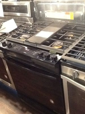 New open box Jenn Air slide in gas range JGS1450FB for Sale in Downey, CA