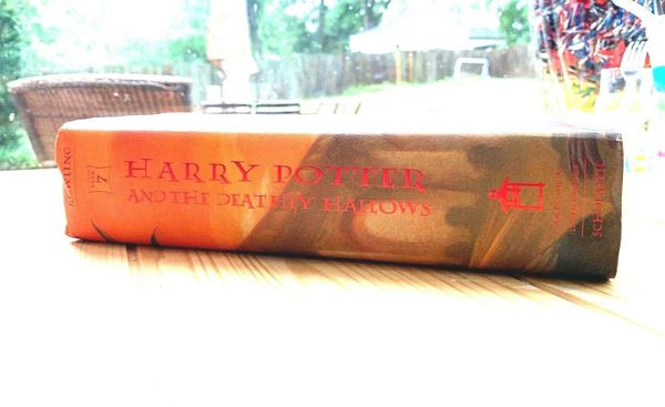 Harry Potter and the Deathly Hallows (Book 7) Hardcover Deluxe - First Edition