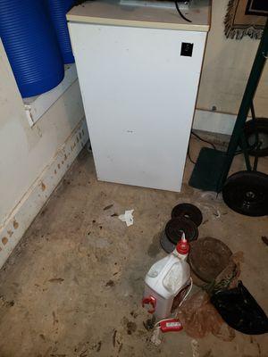 3.5 Cu Ft Single Door Mini Fridge with Freezer. Needs to be recharged for Sale in Hampton, GA