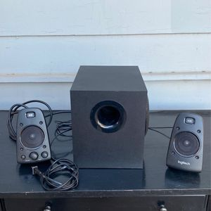 Logitech Computer Speakers With Subwoofer for Sale in Anaheim, CA