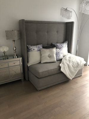 GREY CHAIR/ SLEEPER (PULL OUT SOFA) for Sale in Queens, NY