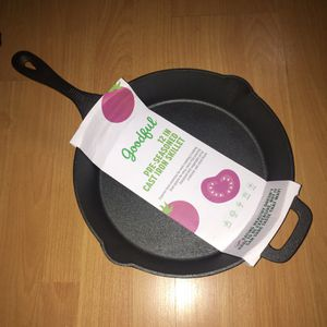 "Cast iron skillet 12"" round NEW for Sale in Sebring, FL"