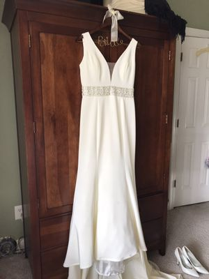 Wedding dress. Size 6. $100. for Sale in Rocky Mount, NC