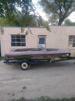 Baja sun boat open bow comes with trailer this is a boat to rebuild a project boat $100 for Sale in Wichita, KS