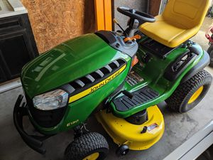 New John Deere E130 22-HP V-twin Side By Side Hydrostatic 42-in Riding Lawn Mower for Sale in Nashville, TN