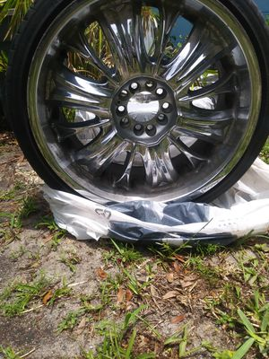 """20"""" universal rims with tire for Sale in Gulfport, FL"""
