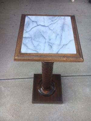 Flower pot stand for Sale in Fountain Valley, CA