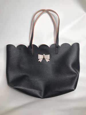 Black large tote bag with pink bow purse scallop edges for Sale in Clermont, FL