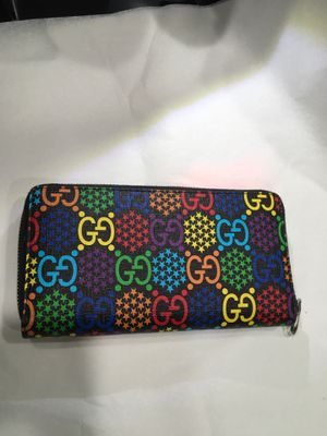 Gucci psychedelic zip around wallet for Sale in Temecula, CA