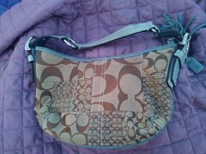 Coach hand bag (100% real) for Sale in Glen Burnie, MD