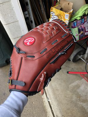 Brand new leather baseball glove Rawlings for Sale in Columbus, OH