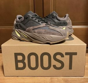 Adidas Yeezy 700 Mauve Men Size 7 for Sale in Atlanta, GA