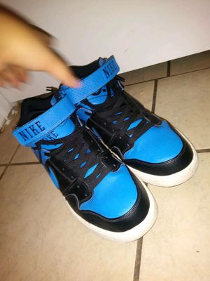 Nike mens adult size 101/2 for Sale in Houston, TX