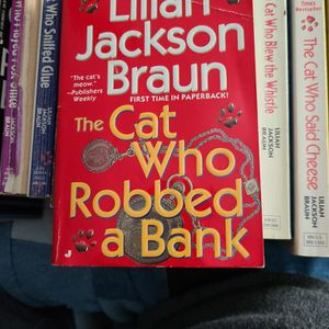 The Cat Who Robbed A Bank Lillian Jackson Braun, Paperback for Sale in Auburn, WA