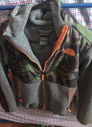 North Face Hoodie Denali Jacket for Sale in Chicago, IL