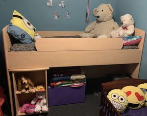 Kids bed mattress included for Sale in Dearborn, MI
