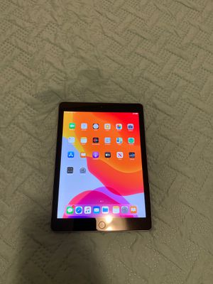 iPad 6th gen for Sale in Farmington, UT