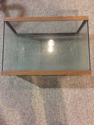 Approximately 30 gallon fish tank/aquarium for Sale in Eastpointe, MI