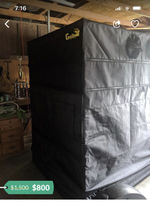 Gorilla growing tent with lights, fan and filter for Sale in Riverside, CA