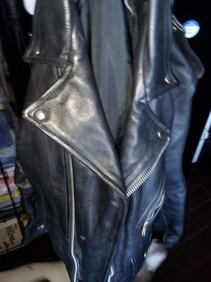 100 % leather jacket.... for Sale in Lorain, OH